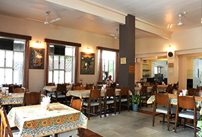 Chitra Cafeteria a self service restaurent is located at Hotel Arya Niwas, jaipur